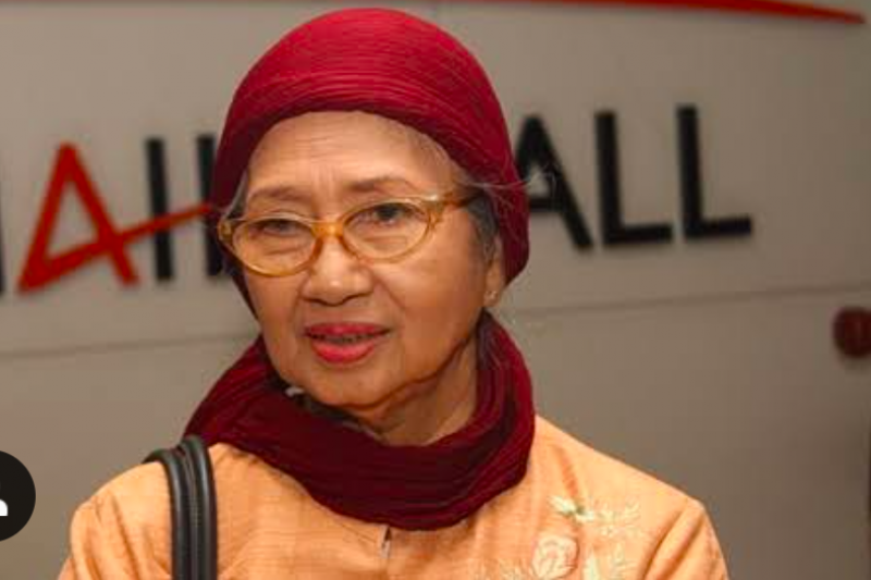 Bintang film lintas dekade Ade Irawan, meninggal dunia