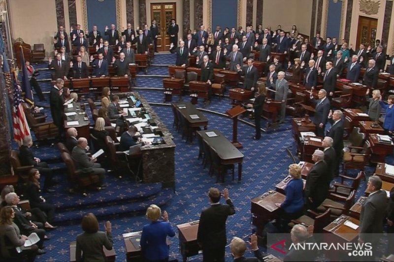 Senat AS bebaskan Presiden Trump dari dakwaan pemakzulan