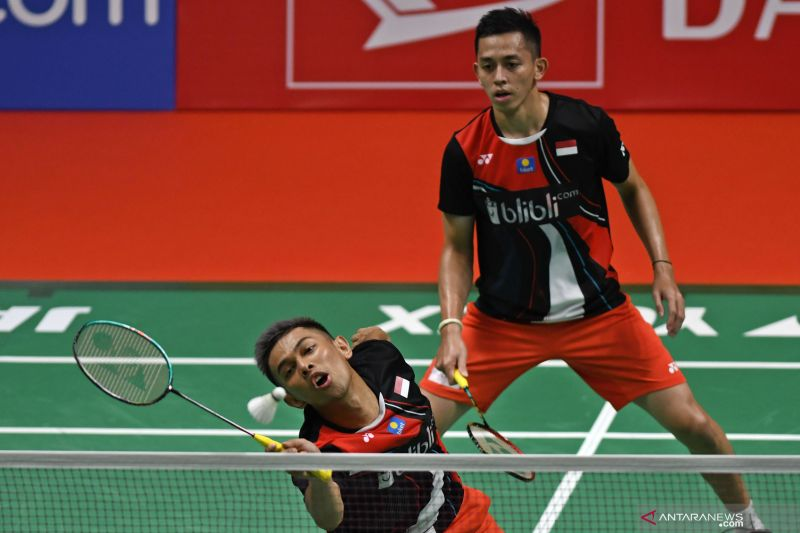 Bulu tangkis - Leo/Daniel kalahkan seniornya Fajar/Rian di Thailand Open 2021
