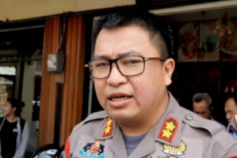 Polsek Sekayam tangkap tiga tersangka pengedar sabu-sabu