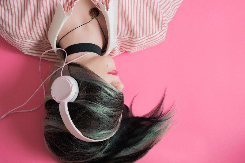 Kapan harus bersihkan 'earphones' agar tak jadi sarang kuman?