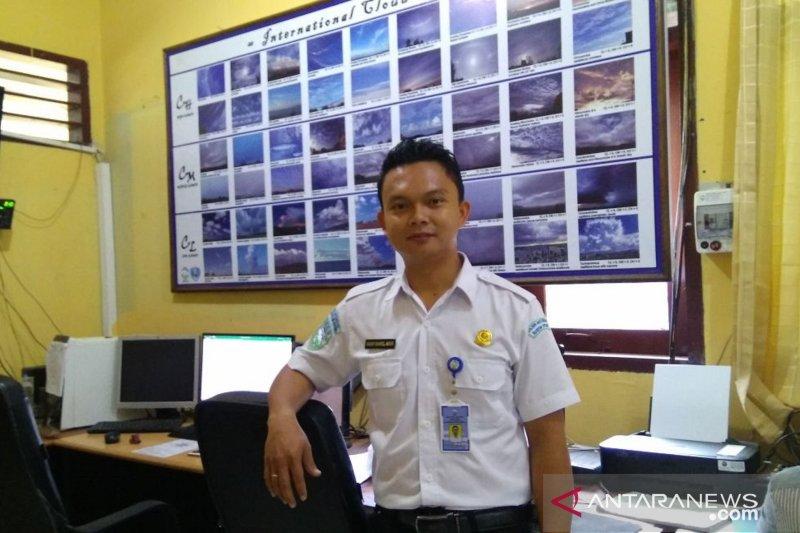 BMKG: Waspadai gelombang empat meter perairan Sulawesi Utara