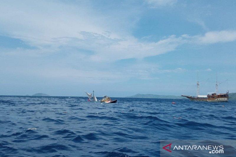 Para wartawan Istana selamat dari kecelakaan laut di Labuan Bajo