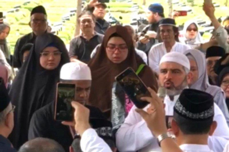 Video Imam Masjid Al Aqsa hadir dipemakaman Joserizal