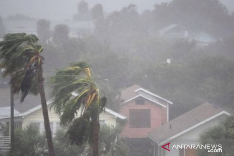 BMKG ingatkan waspadai potensi cuaca ekstrem yang sebabkan banjir di DIY