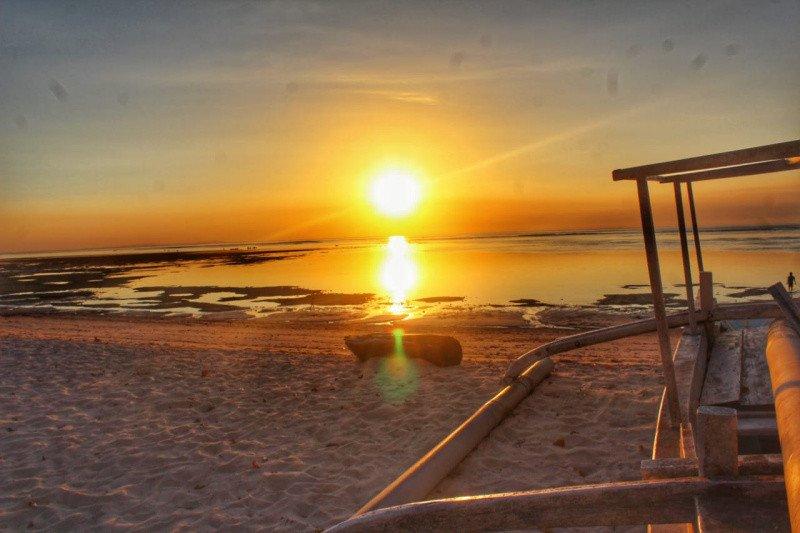 Menggenggam Surga kecil di Pantai Jelenga Sumbawa Barat