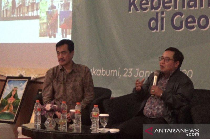 Jamkrindo bersama Pemkab Sukabumi kampanyekan antisampah plastik di Geopark Ciletuh