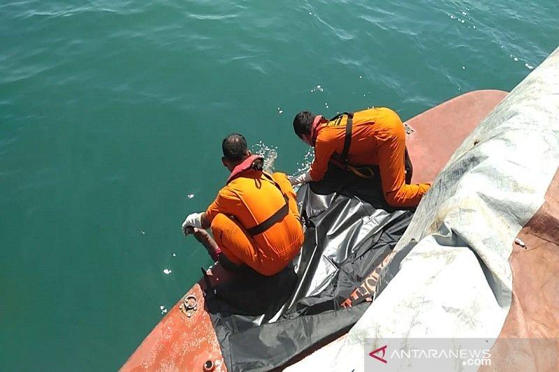 Tim SAR temukan satu TKI dari kapal tenggelam di perairan Riau, begini kondisinya
