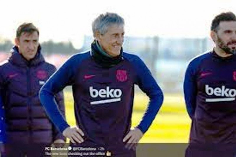 Usai dikalahkan Valencia, Quique Setien salahkan pemain