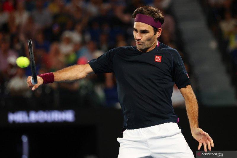 Federer pamer pukulan trik tenis di Twitter