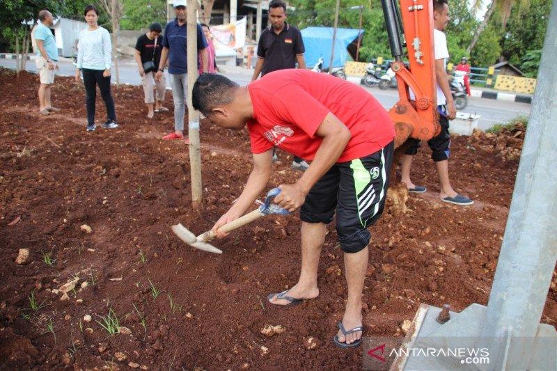 Taman Kota ditata sendiri oleh ASN Kota Kupang