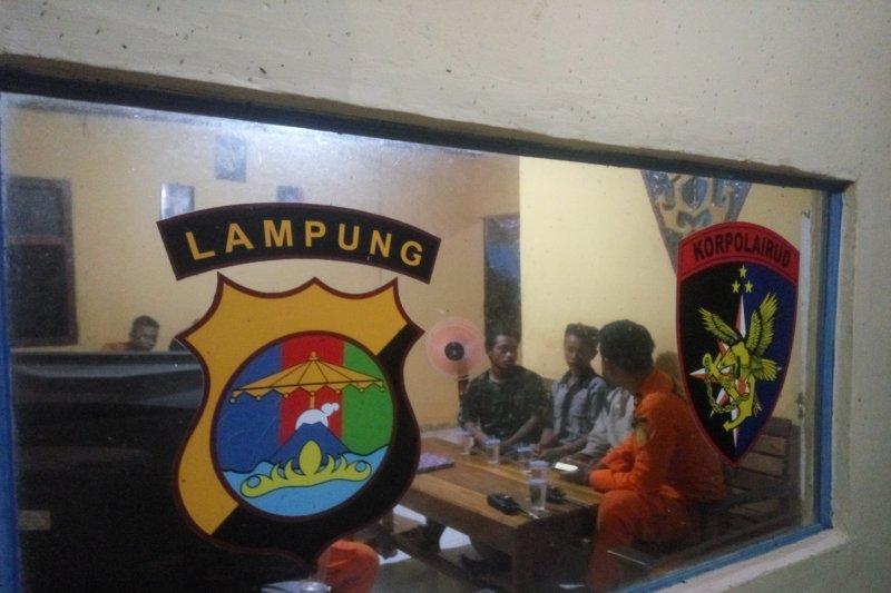Tiga nelayan hilang di laut Lampung Timur  ditemukan dalam keadaan selamat