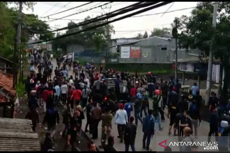 Akibat bentrok dua ormas, polisi jaga ketat perbatasan Sukabumi-Cianjur