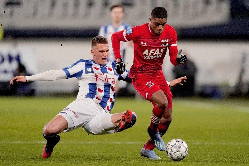 AZ Alkmaar jaga jarak dengan Ajax usai kalahkan Heerenveen 2-1