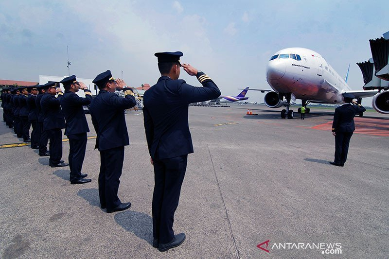 Dampak COVID-19, karyawan Garuda dirumahkan untuk sementara