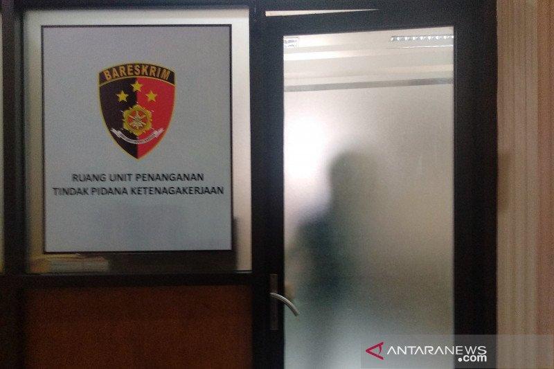 Kepolisian memeriksa pemilik dan dokter klinik Desa Gili Indah