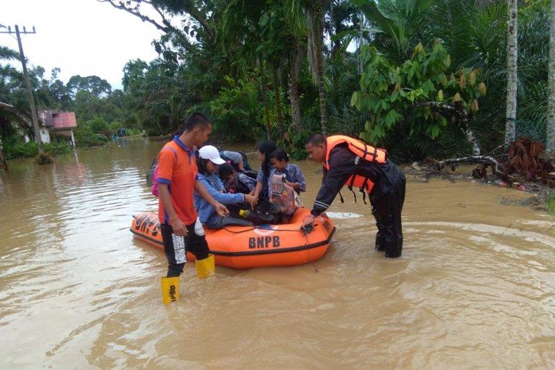 Banjir di Tapteng, enam orang meninggal dan tiga dinyatakan hilang