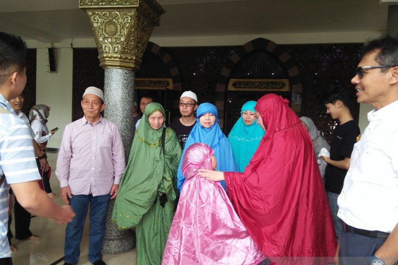 Chinese Muslim say sorry for making West Sumatra residents worried