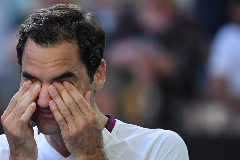 Roger Federer didenda Rp40 juta karena memaki di Australian Open