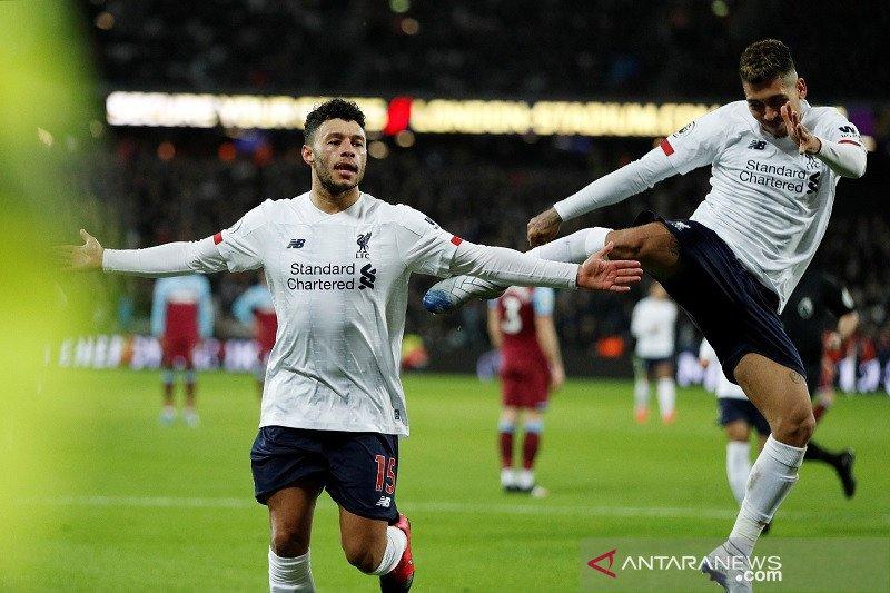Liverpool kian kokoh di puncak klasemen setelah redam West Ham 2-0