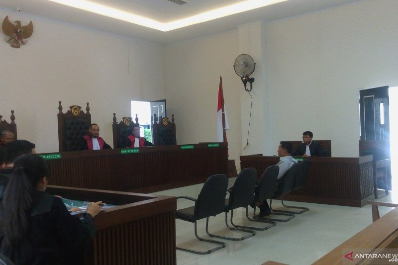 Wabup Pesisir Selatan Rusma Yul Anwar dituntut 4 tahun kasus perusakan mangrove di Mandeh