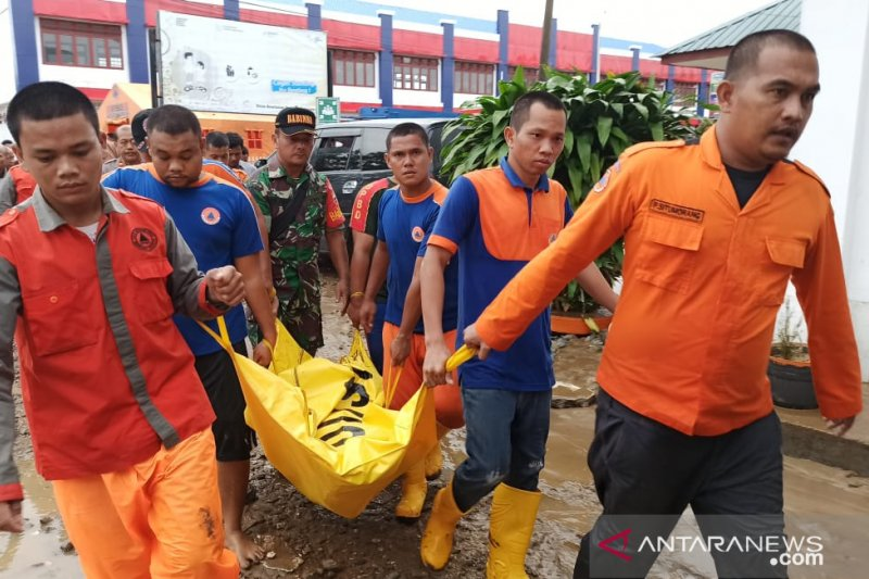 Nine dead toll from the flash flood that hit Central Tapanuli District
