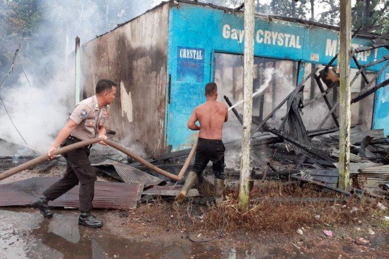 Tiga rumah terbakar diduga akibat mengusir nyamuk dengan cara ini