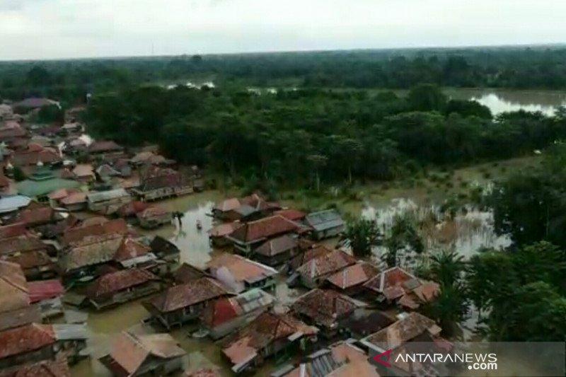 Banjir sudah sepekan  melanda dua desa di Penukal Abab Lematang Ilir