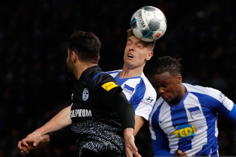 Hertha Berlin bermain imbang tanpa gol saat menjamu Schalke