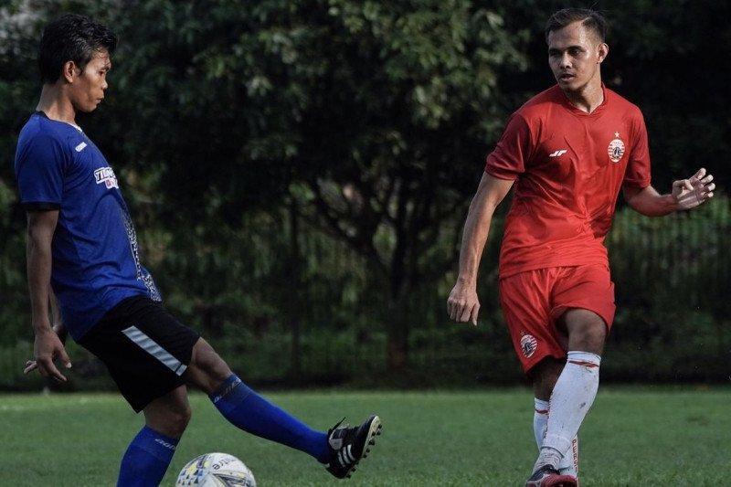 Rezaldi Hehanussa senang adiknya di tim utama Persija