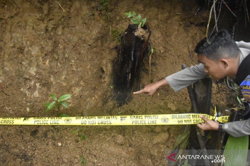 Ratusan personel gabungan tutup 23 lubang tambang emas ilegal di Bogor