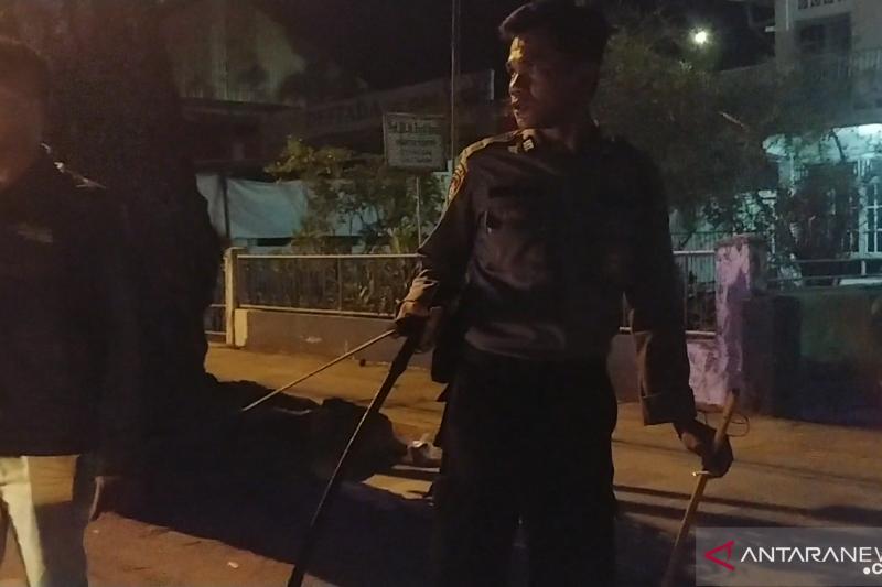 Gerombolan orang tak dikenal serang warga di Padang