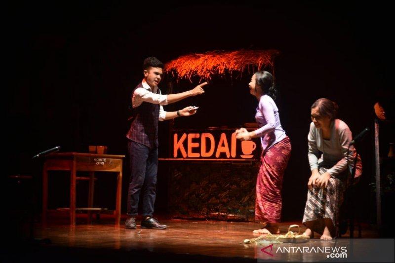 """Teater Smansa Denpasar bawakan  garapan meriahkan """"Bulan Bahasa Bali"""""""