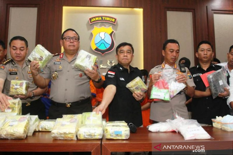 Polda Jatim ringkus pengedar sabu-sabu 15 kilogram asal Malaysia
