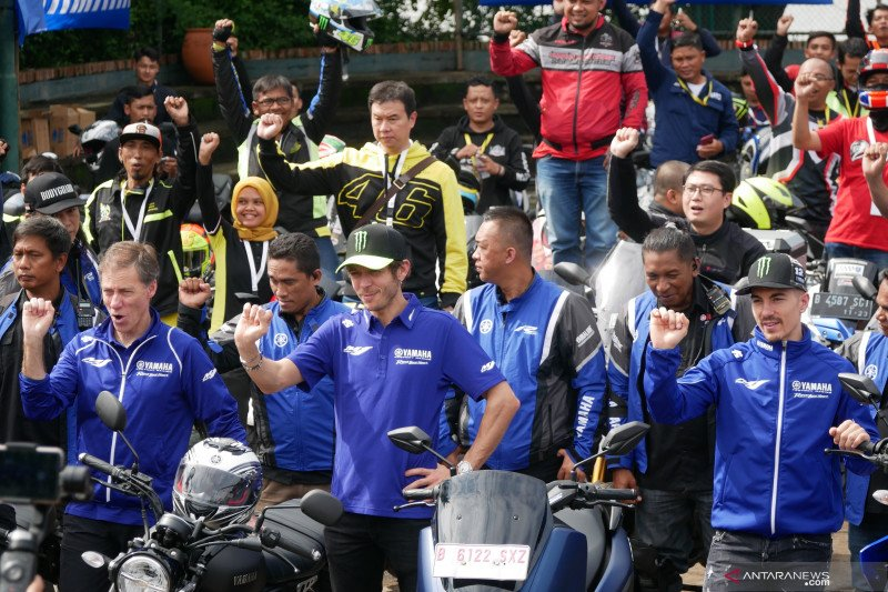 Valentino Ross dan Maverick Vinales sapa penggemar di Indonesia