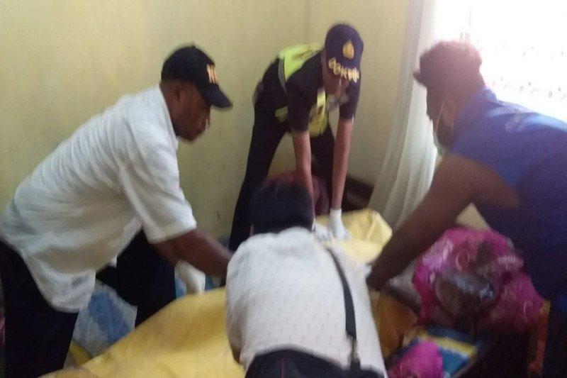 Seorang guru TK ditemukan tewas dan jasadnya mulai membusuk