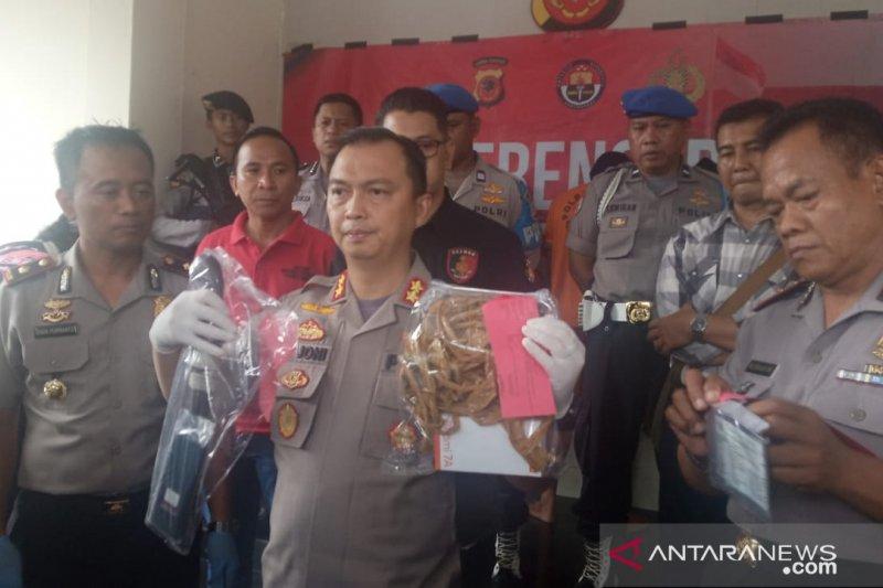 Polres Bogor tangkap oknum Sekdes yang terlibat komplotan perampok