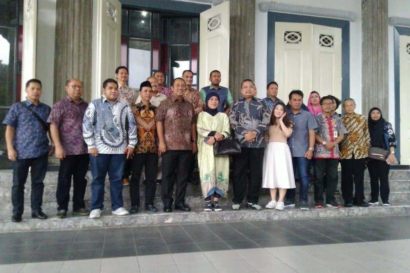 Wali Kota Semarang berbagi pengalaman tangani banjir dengan DPRD Jakarta