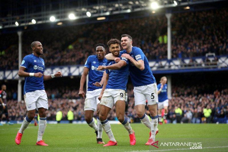 Ini dilakukan pemain Everton dalam lewati masa swakarantina cegah penyebaran virus corona