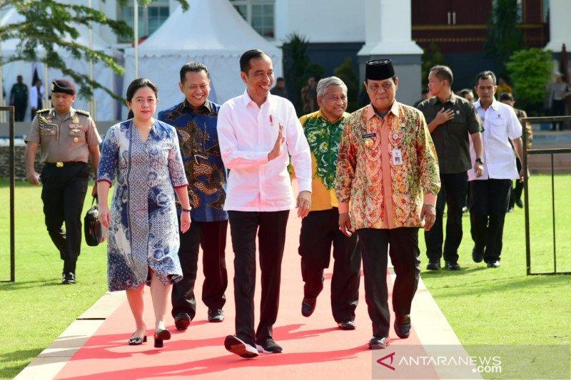 Jokowi: Negara butuh perspektif jernih insan pers untuk lawan hoaks
