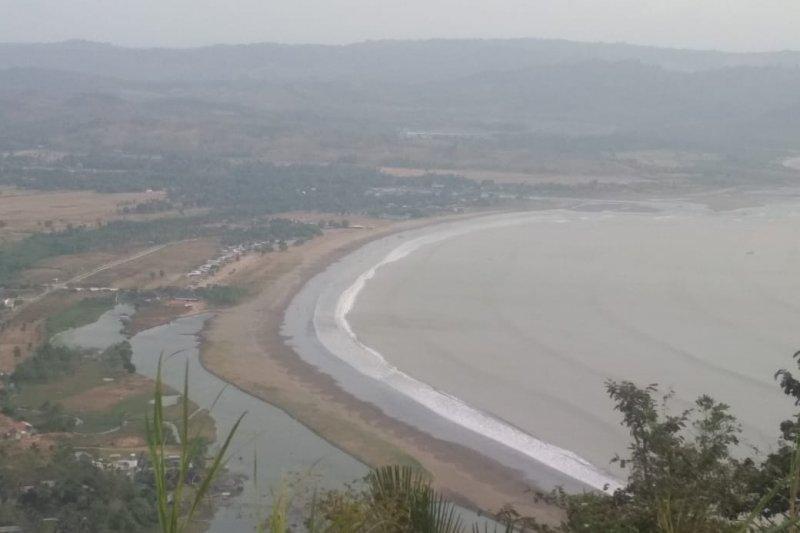 Pemkab Sukabumi gandeng berbagai elemen tangani limbah plastik di objek wisata