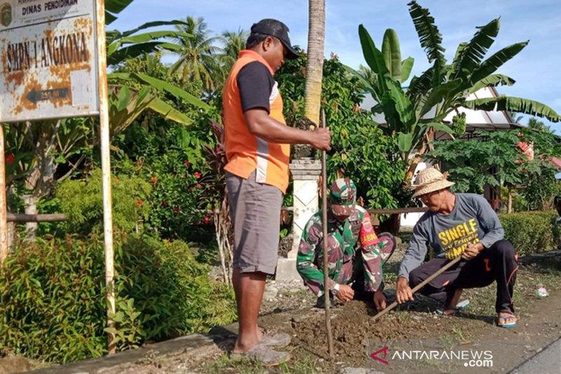Pemdes Solo Luwu Timur tanam 1.000 pohon pucuk merah