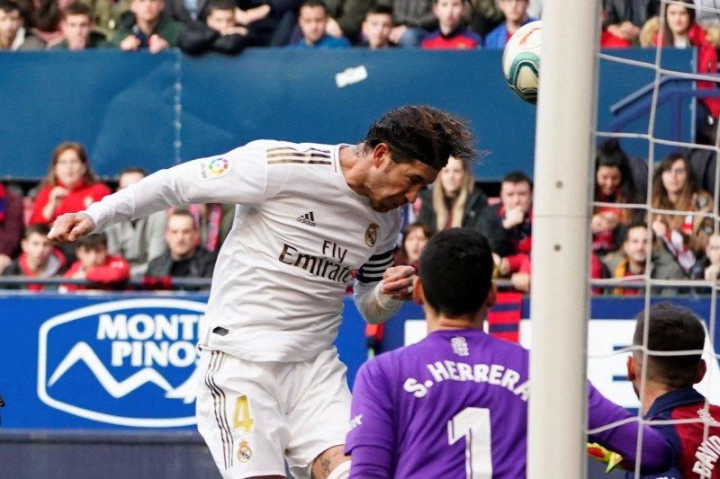 Madrid kian jauhi Barcelona setelah tundukkan Osasuna 4-1