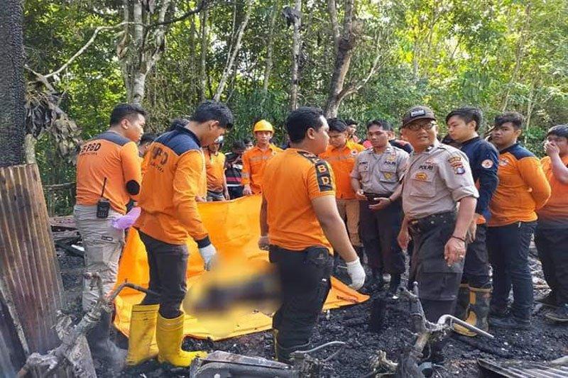 Wanita tua tewas terbakar bersama rumahnya