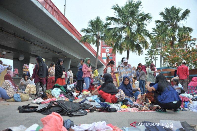 Pasar BJ jadi alternatif belanja baju murah