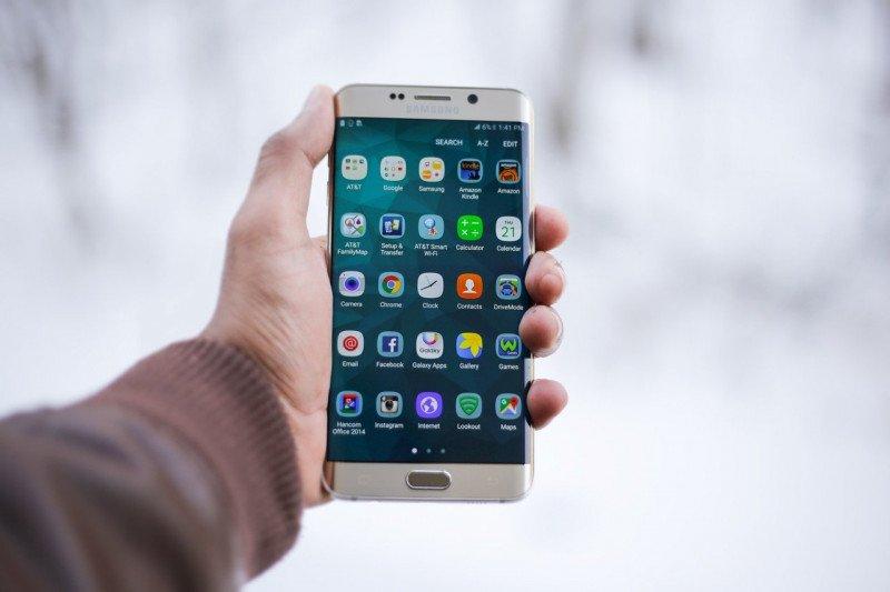 Akibat corona, produksi ponsel diprediksi turun ke level terendah