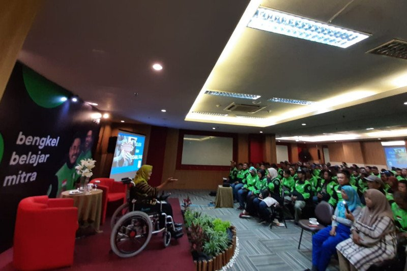 Ratusan mitra Gojek siap layani angkutan penyandang disabilitas