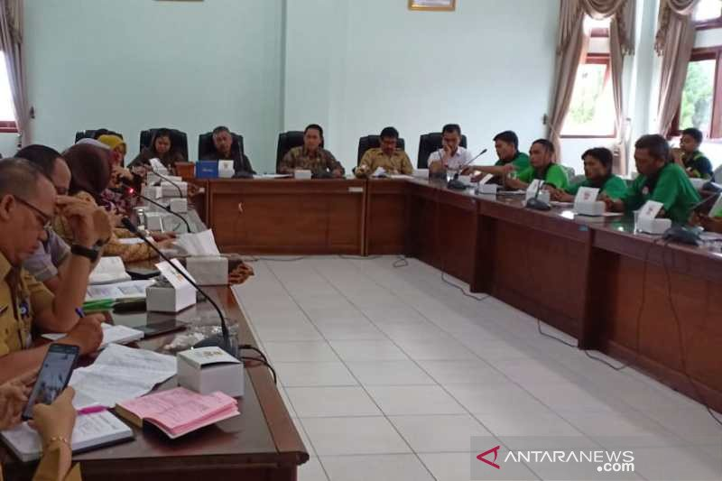 Buruh minta rumpun ketenagakerjaan dikeluarkan dari RUU Omnibus Law