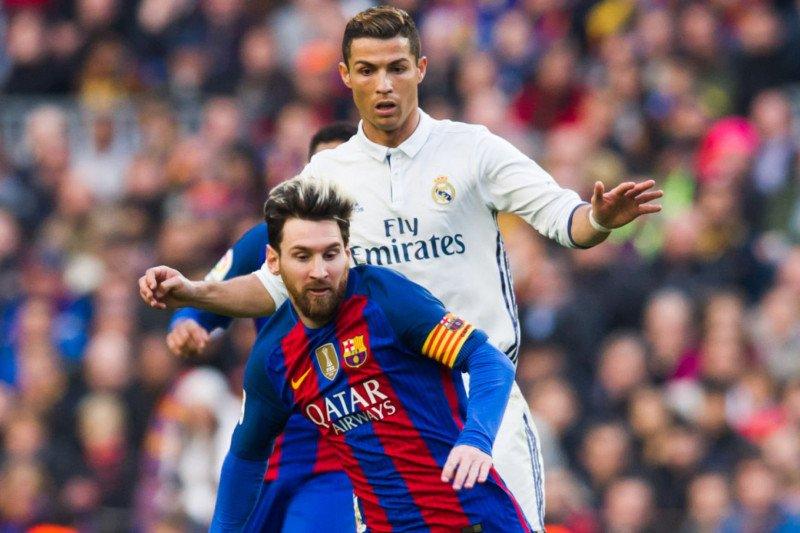 Arsene Wenger sebut sepak bola masuki senjakala rivalitas Ronaldo vs Messi