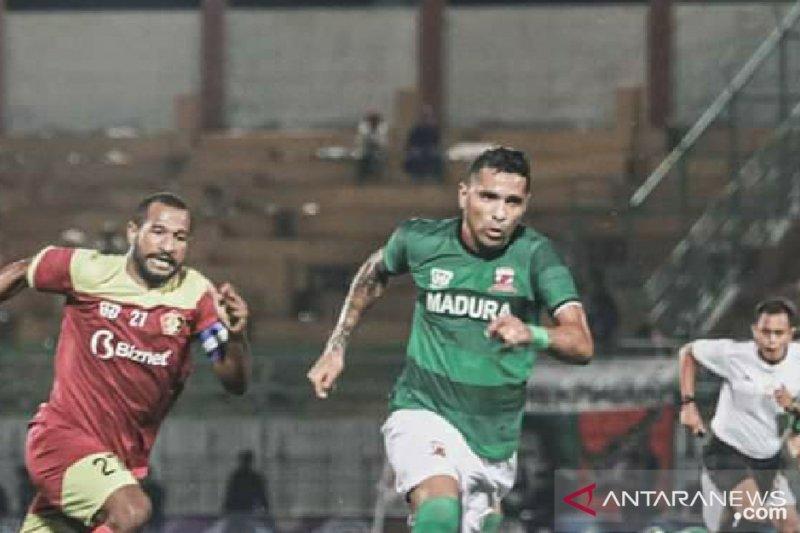 Tampil dominan Madura United menang tipis atas Persik Kediri 1-0 pada Piala Gubernur Jatim